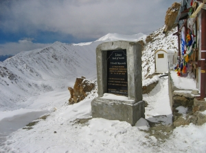 Indians..can create records..@ Highest motor able pass in world..Khardung la