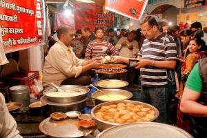 The famous Sarafa Bazaar Night market of Indore..