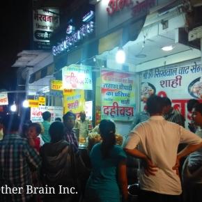 Indore's Sarafa Bazaar – India's Midnight Market Where Food ComesAlive..